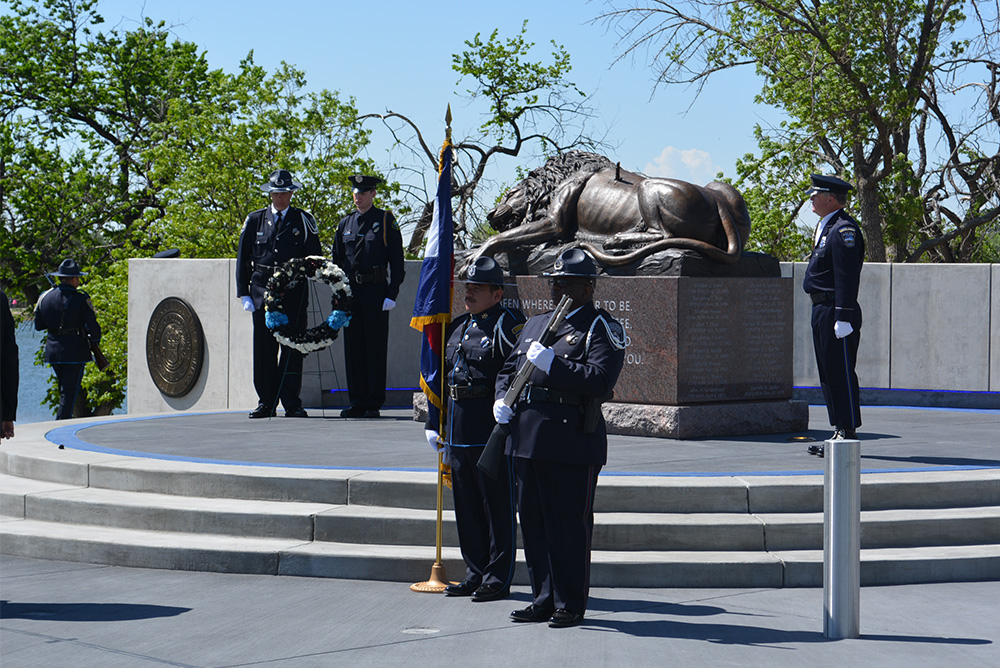 Peace Officers Memorial wreath and lion